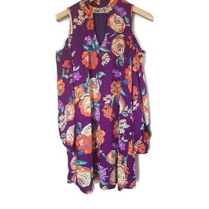 Everly Floral cold shoulder dress size Small